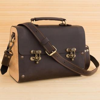 Женская кожаная сумка с деревянными вставками