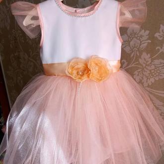 Платье нарядное на 2-3 года