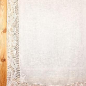 Штора отделанная вязаной канвой