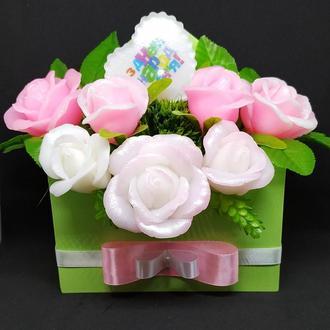 Мыльный букет роз в деревянном конверте