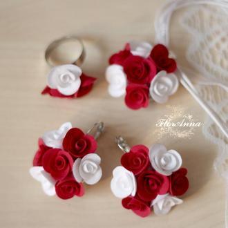 """Красно-белые розы"" серьги+кулон+кольцо"
