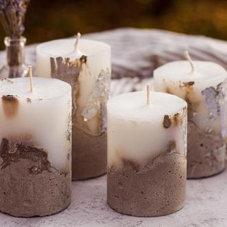 Свічка в бетоні