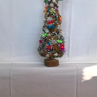Рождественский топиарий. Новогодняя настольная елка. Елка для новогоднего декора.