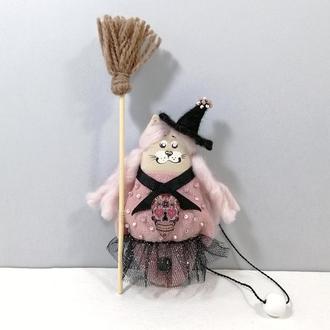 Розовая кошечка ведьма Декор хеллоуин Карманный котенок волшебница Авторская игрушка кот