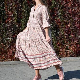 Рожева сукня в квітковий принт (вільний фасон)