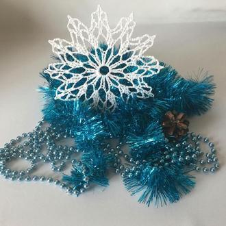 Вязаная крючком снежинка для новогоднего декора