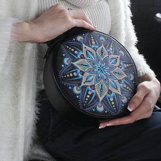 """Маленькая кожаная сумка для вечеринки, Дизайнерская сумочка с ручной росписью """"Mandala"""""""