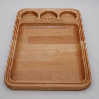 Доска из дерева для подачи закусок и мясных блюд с отделением под соусницы