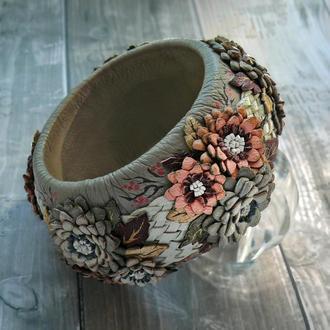 Широкий женский браслет из натуральной кожи с хризантемами