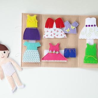 Кукла с одеждой на липучках