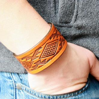 Кожаный браслет для мужчин, браслет из кожи мужской, с тиснением в 4 цветах, индейский узор