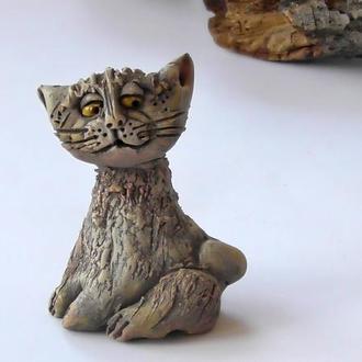 Фигурка в виде кота для интерьера