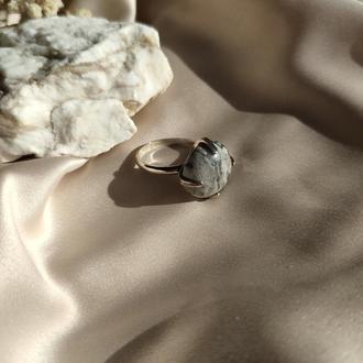 Серебряное кольцо с натуральной серой яшмой