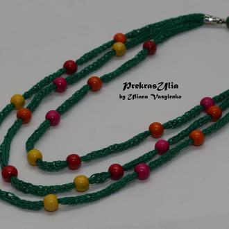 Зелене натуральне в'язане намисто