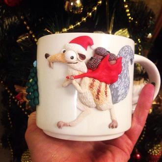 Новогодняя чашка с декором: Белка из Ледникового периода