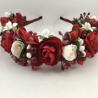 Венок на голову с вишневыми и белыми цветами