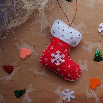 Новогодняя игрушка из фетра Сапожек