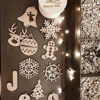 Різдвяні іграшки / Іграшки на ялинку
