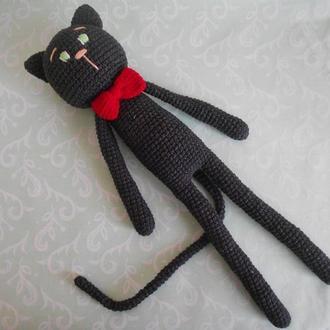 Черный кот крючком в технике амигуруми
