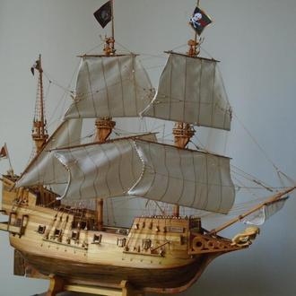 """Модель галеона 16-го века """"Golden Hind"""""""