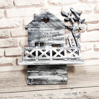 Настенная ключница-органайзер домик с надписью и полочкой