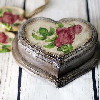 Шкатулка из дерева в форме сердца Винтажные Розы , День святого Валентина