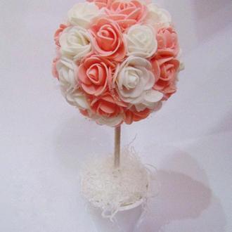 Нежный цветочный топиарий