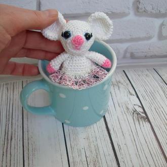 🍓 Мышка детская игрушка вязаная. Белый мышонок брелок на сумку, рюкзак. Белая мышь брелок на ключи.