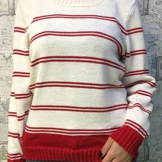 Белый шерстяной свитер с красными полосками