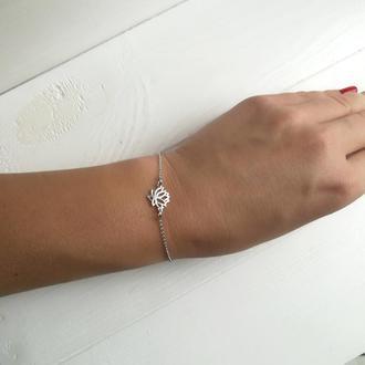 Серебряный браслет с лотосом от FIBULA