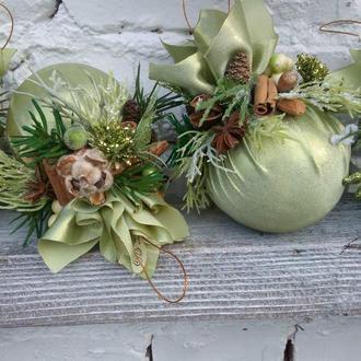 Зеленые новогодние шары, елочние шары, новогодние украшения, елочные подвески