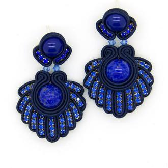 Серьги синего цвета с кристаллами и кабошонами