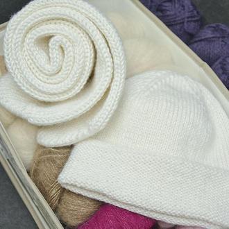 Вязаные женские шапка и шарф