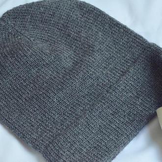 Жіноча шапка спицями