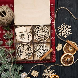 Набор новогодних игрушек из дерева на ёлку (24шт.)