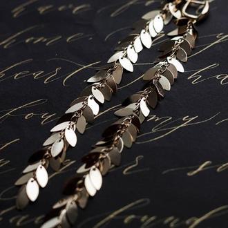 длинные серьги с цепочкой из мелких листиков