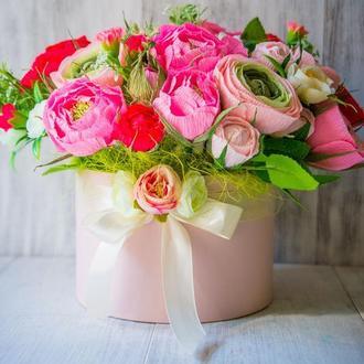 Шляпная коробка с цветами в стиле прованс
