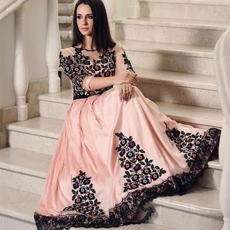 Вишита жіноча сукня з борщівською вишивко