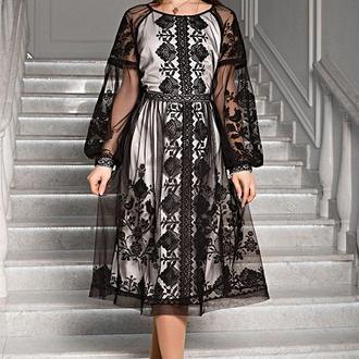 Вишукана сукня з чорної євросітки