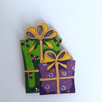 """Новогодний магнит на холодильник """"Коробки с подарками"""" 2 шт.  Ручная работа. Размер 6*4.5 см"""