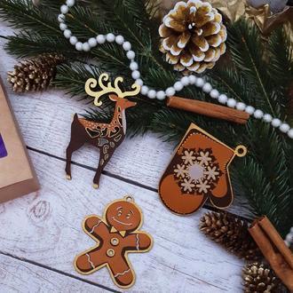 Подарочный набор новогодних деревянных игрушек №1