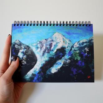 Блокнот А5 с черными страницами и белая ручка. Авторская иллюстрация Горы. 90 листов.