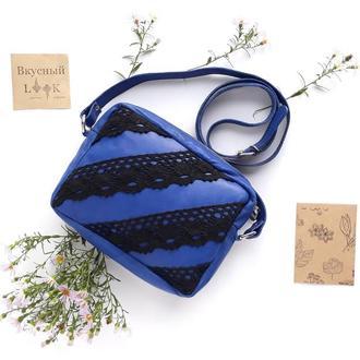 """Женская маленькая кожаная сумка с кружевом """"Рута"""" (синяя)"""