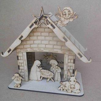 Подарочный рождественский домик из дерева