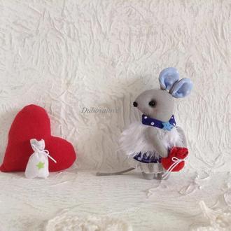 Новогодняя елочная игрушка текстильная мышка в подарочной упаковке