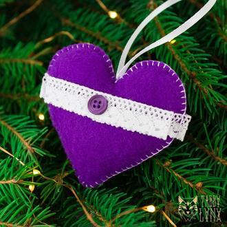 """Новогодняя ёлочная игрушка """"Фиалковое сердце"""""""