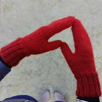 Тёплые вязаные варежки красные зимние рукавицы