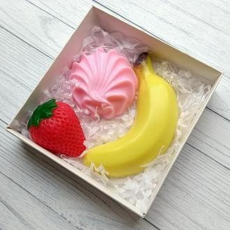 Сувенирное мыло: набор: зефир, клубника, банан
