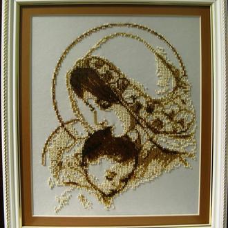 Икона Мадонна с младенцем, вышитая ческим бисером