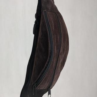Стильная бананка натуральная кожа, модная сумка на пояс плече темная хаки замша